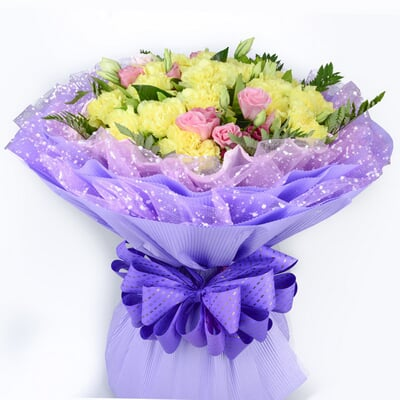包 装 紫色雪点网纱内衬,紫色瓦楞纸圆形包装,粉色法式蝴蝶结束扎 花
